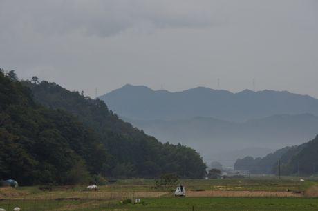 雨が降りだした藤岡奥.jpg